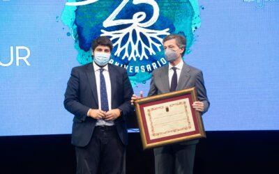 Amefmur es reconocida por el Gobierno Regional con el Diploma de Servicios Distinguidos