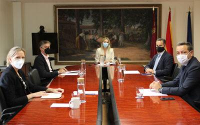 José María Tortosa se reúne con la Consejera Martínez Vidal